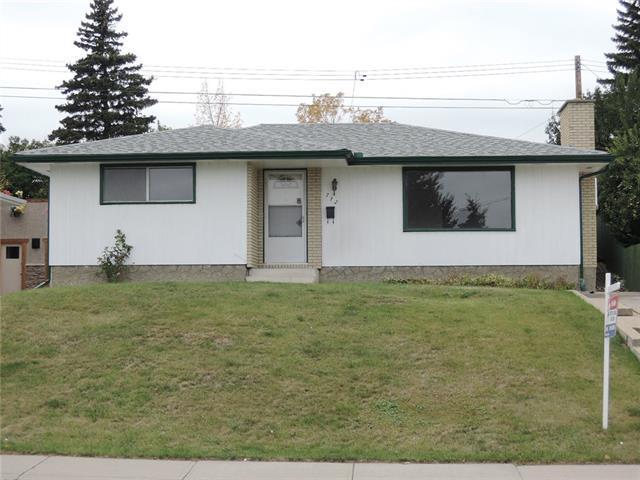 712 HUNTS CR NW, Calgary