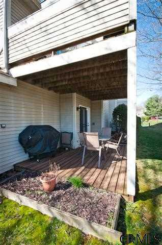 105 Grenadier Ct - Photo 4