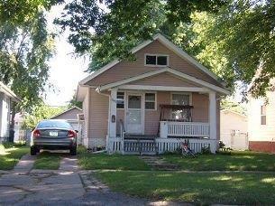 1049  F Ave Nw  , Cedar Rapids, IA 52405 (MLS #1407632) :: The Graf Home Selling Team