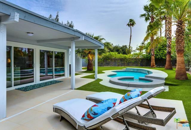 1121 El Escudero  East, Palm Springs