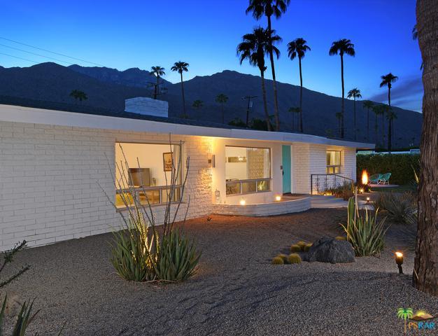 2033 Joshua Tree Place South, Palm Springs