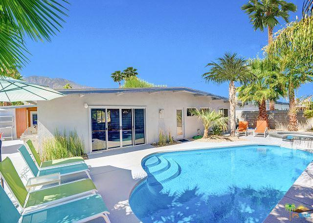 958 Calle Santa Cruz  S, Palm Springs