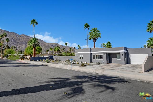 1572 Riverside Drive N, Palm Springs