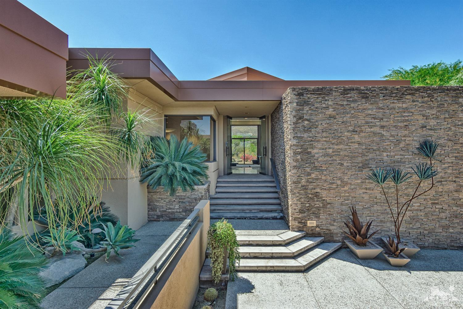 100 Chalaka Place, Palm Desert