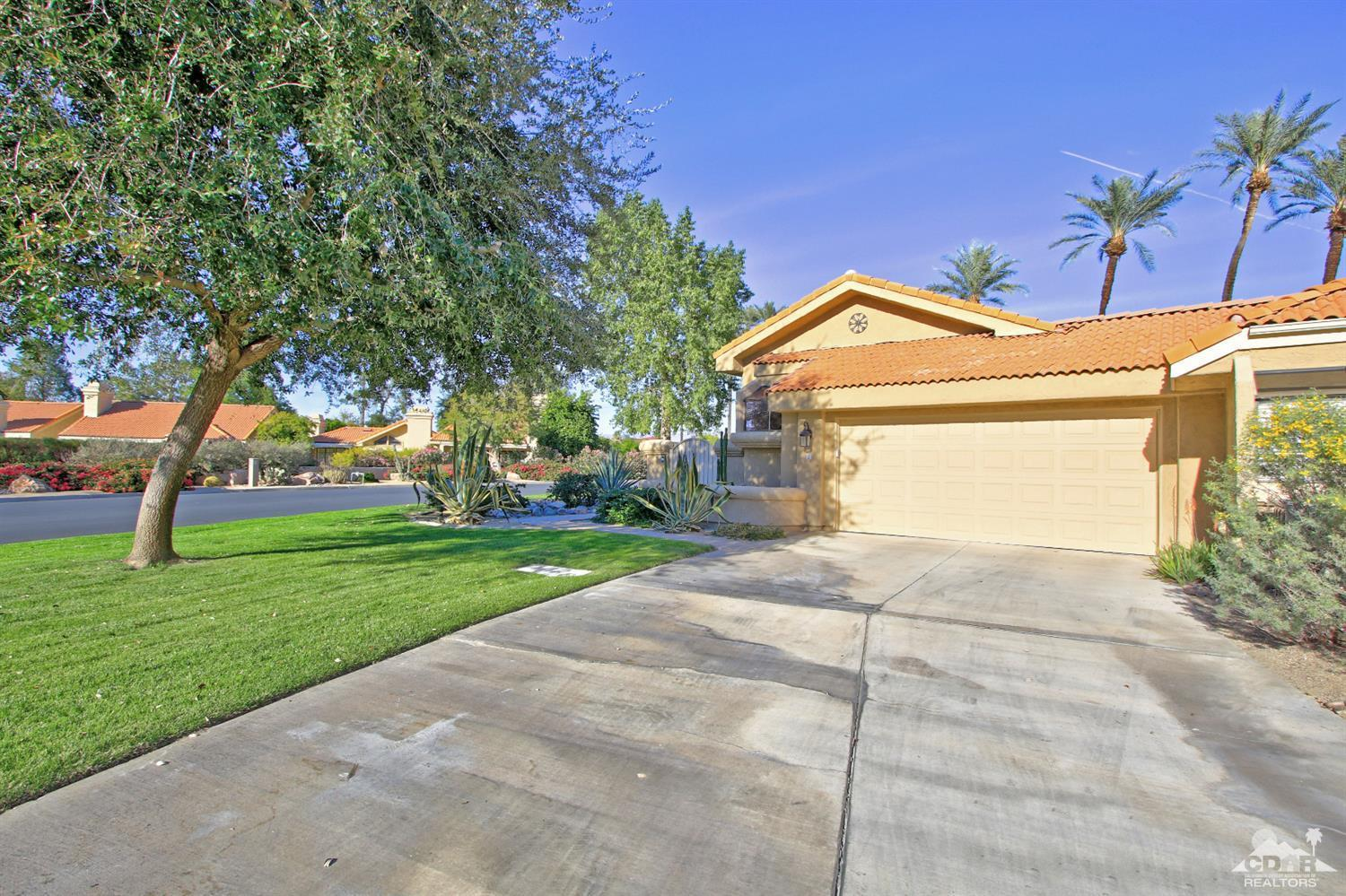 2 Las Cruces Lane, Palm Desert