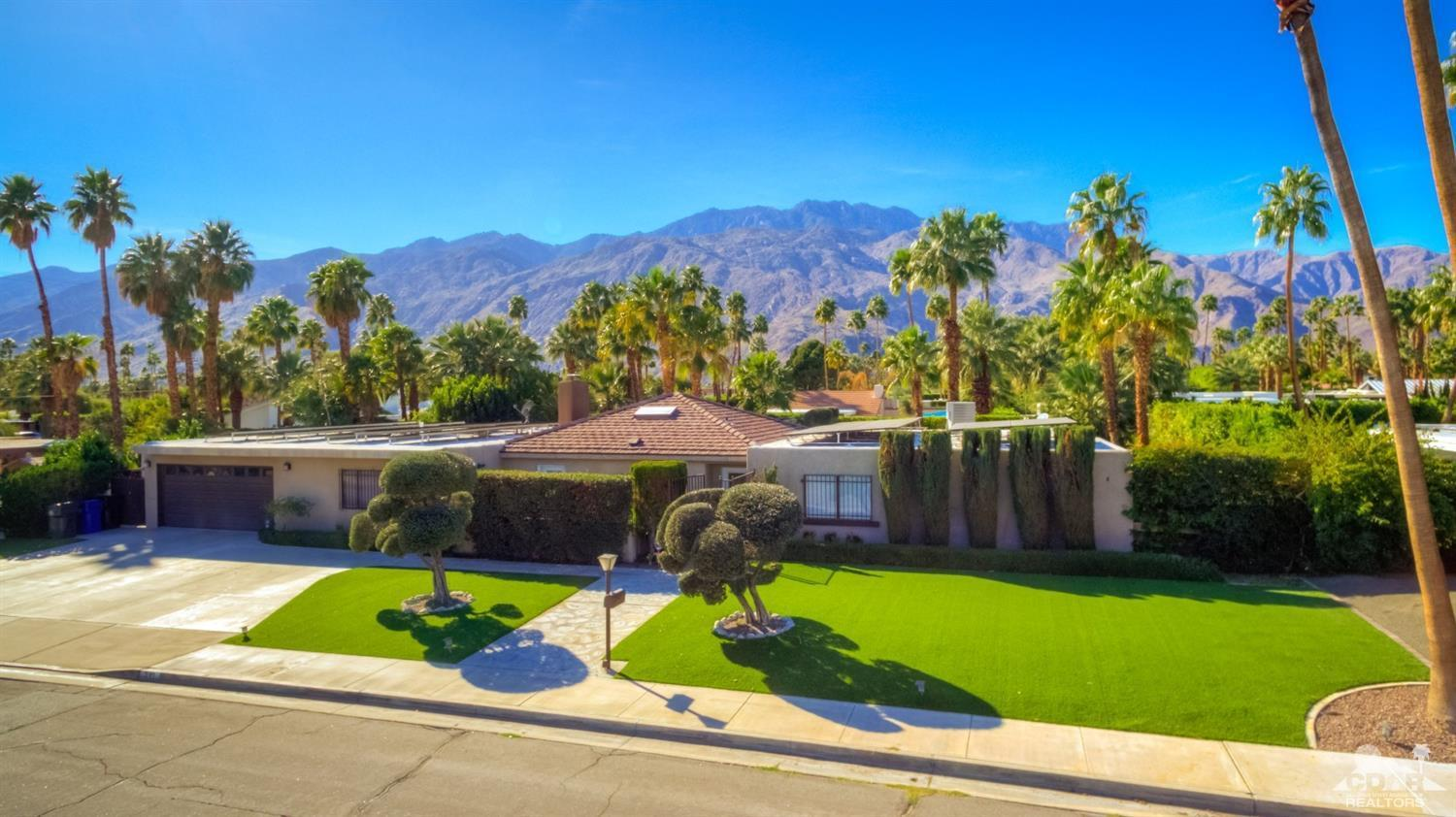 541 Cerritos Drive North, Palm Springs