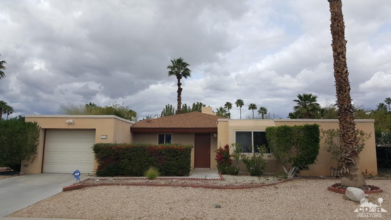 1370 Adobe Way East, Palm Springs