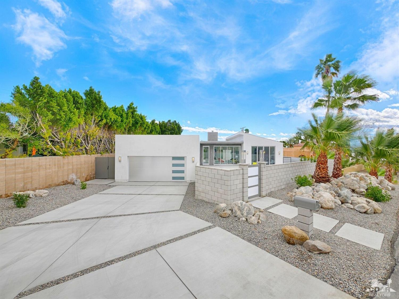 2200 Girasol Avenue North, Palm Springs