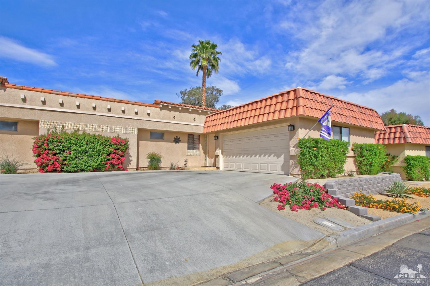 40841 Inverness Way  30-4, Palm Desert