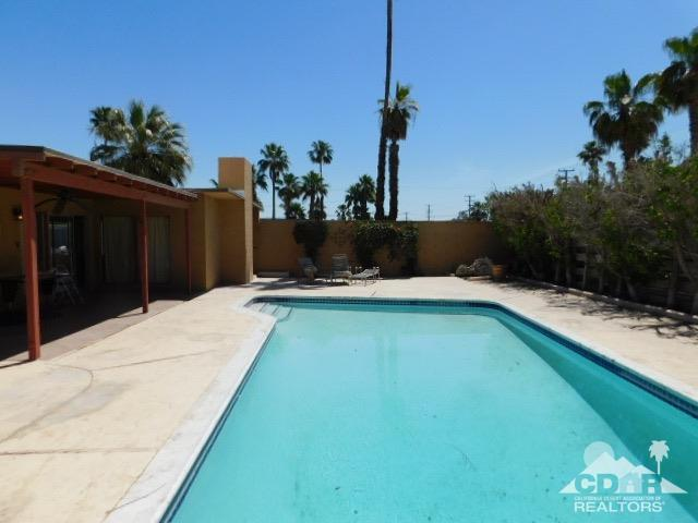 523 Farrell Drive North, Palm Springs