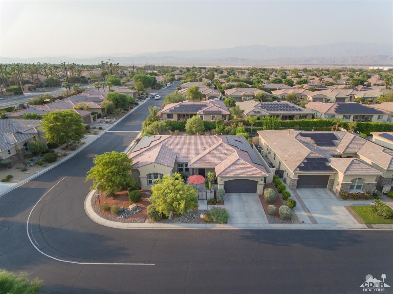 102 Azzuro Drive, Palm Desert