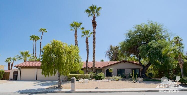 1233 Via Escuela  East, Palm Springs
