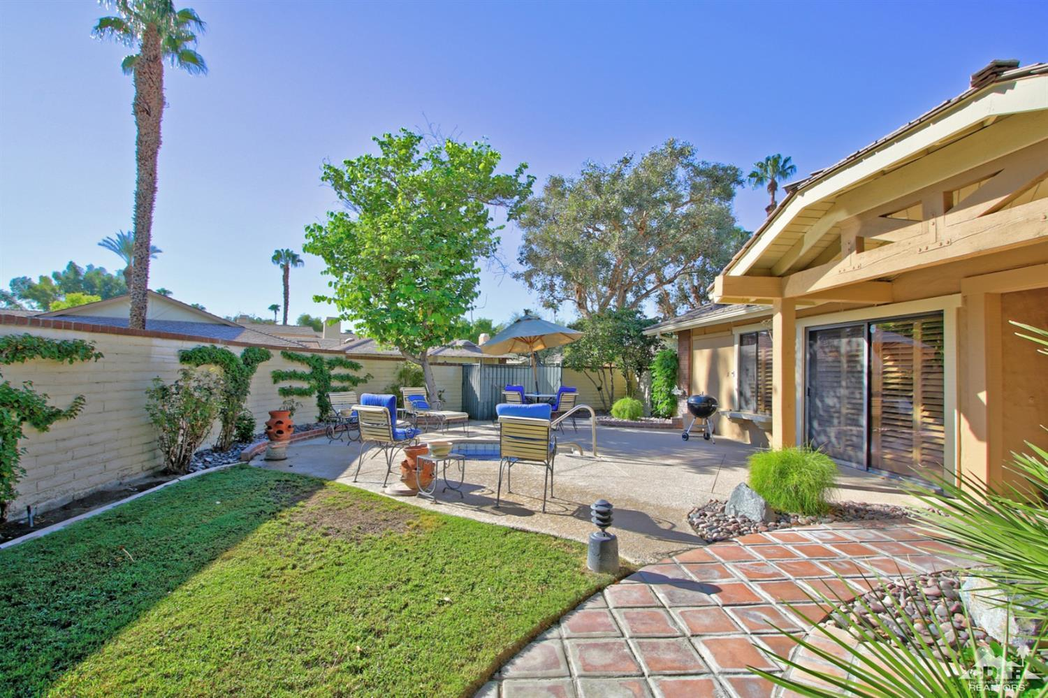 317 Villena Way, Palm Desert