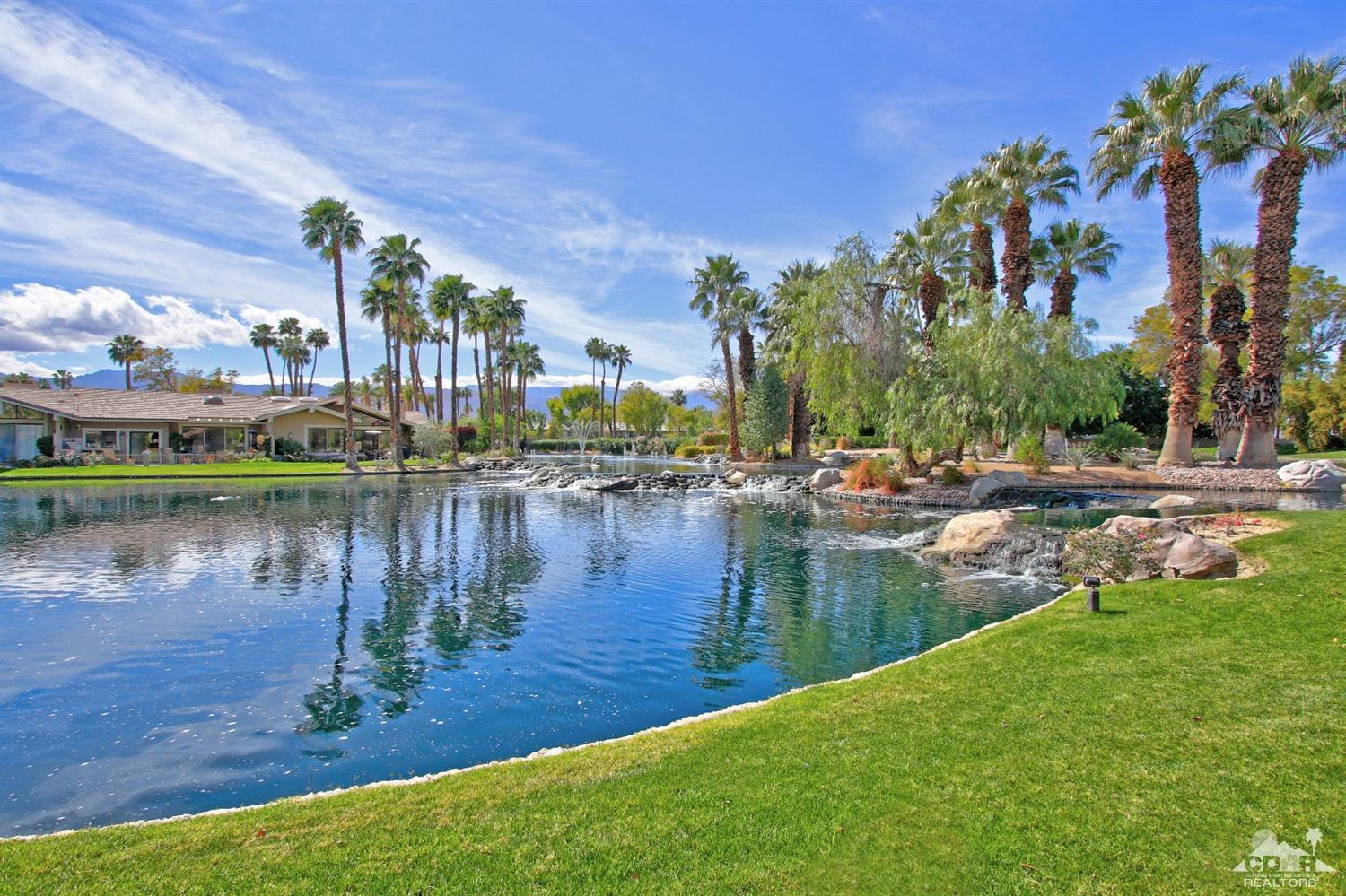 93 Deer Spring Way, Palm Desert
