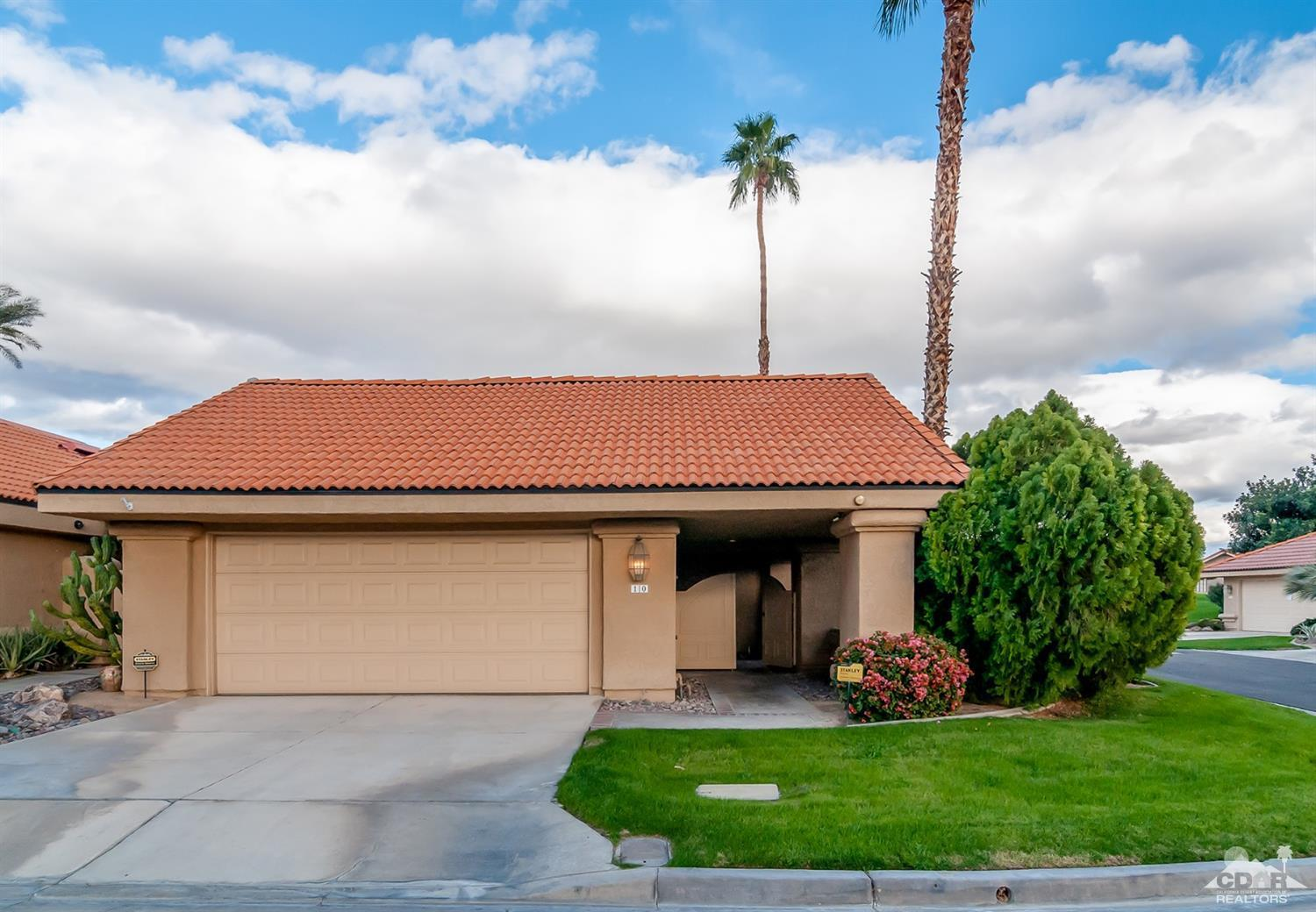 10 Las Cruces Lane, Palm Desert