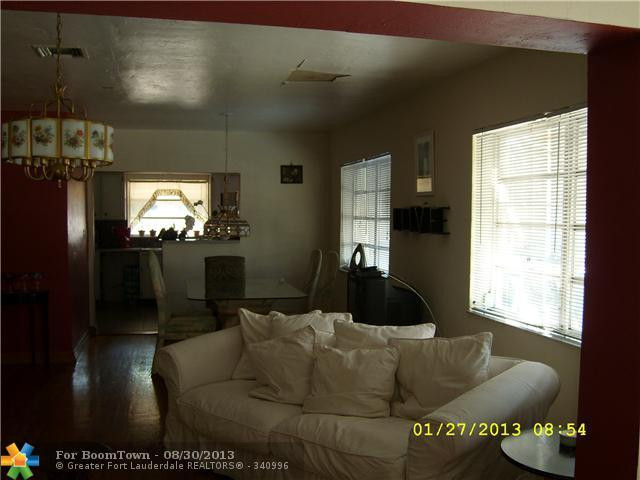 2342 Mckinley St - Photo 11