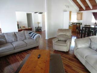 581  Kulia Street  , Wahiawa, HI 96786 (MLS #201421174) :: Elite Pacific Properties