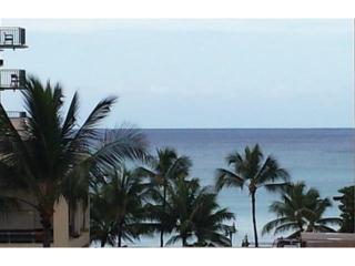 2450  Prince Edward Street  803A, Honolulu, HI 96815 (MLS #201423277) :: Team Lally