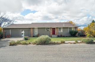 2203 S Coloma Way  , Boise, ID 83712 (MLS #98571930) :: Core Group Realty