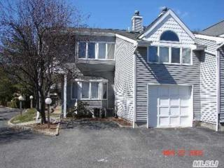 8  Windsor Ct  8, Amityville, NY 11701 (MLS #2735612) :: RE/MAX Wittney Estates