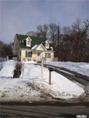 Medford, NY 11763 :: Carrington Real Estate Services
