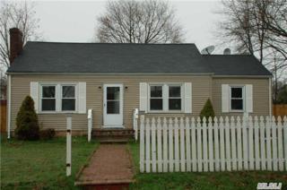 111  Smith St  , Bay Shore, NY 11706 (MLS #2755669) :: Carrington Real Estate Services