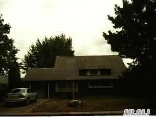 93  Stirrup Ln  , Levittown, NY 11756 (MLS #2706528) :: RE/MAX Wittney Estates
