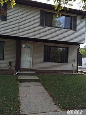 30  Raily Ct  , Out Of Area Town, NY 10312 (MLS #2716352) :: Carrington Real Estate Services