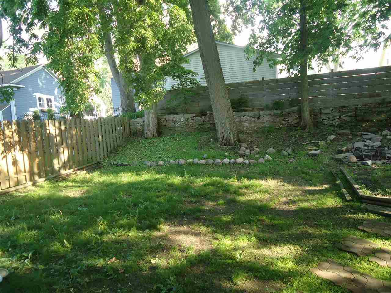 1414 Tyler St - Photo 9