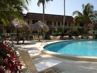 240 N Collier Boulevard  G6, Marco Island, FL 34145 (MLS #2150855) :: Clausen Properties, Inc.