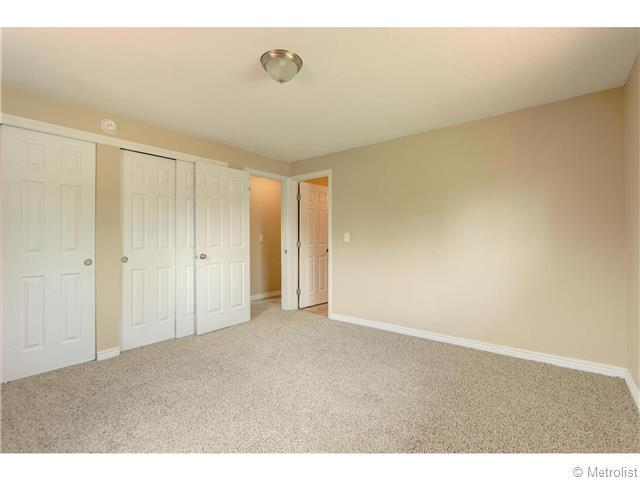 5466 Hinsdale Place - Photo 14