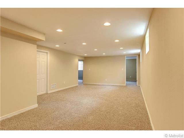 5466 Hinsdale Place - Photo 18