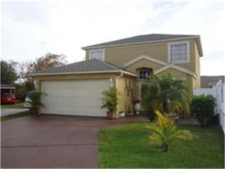 557  Southern Charm Drive  , Orlando, FL 32807 (MLS #V4702300) :: Orlando Property Group