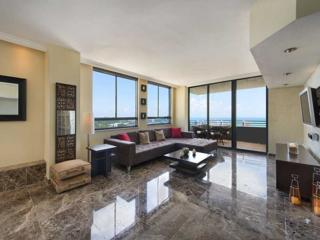 1330  West Av  Ph 05, Miami Beach, FL 33139 (MLS #A2103429) :: Douglas Elliman