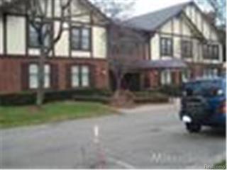 1750  Vernier Road  9, Grosse Pointe Woods, MI 48236 (#214117614) :: Sine and Monaghan Realtors