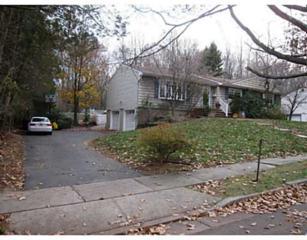 20  Kings Rd  , East Brunswick, NJ 08816 (MLS #1507046) :: The Dekanski Home Selling Team