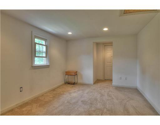 1740 Kenyon Ave - Photo 14