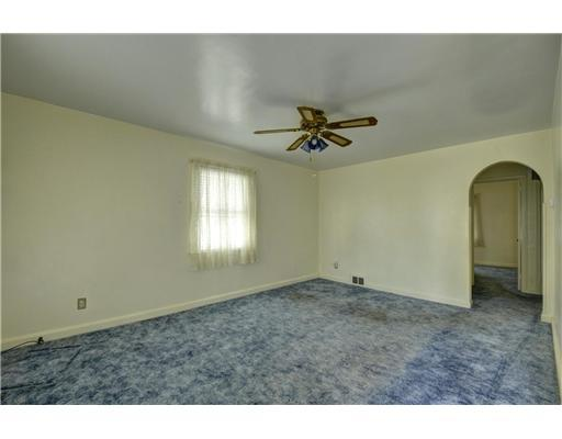 1619 Mildred Ave - Photo 5