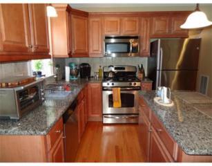 19  Robbins St  2-2, Waltham, MA 02453 (MLS #71767429) :: Vanguard Realty