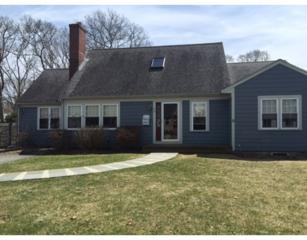 33  Lake Leaman  , Falmouth, MA 02540 (MLS #71820164) :: Carrington Real Estate Services