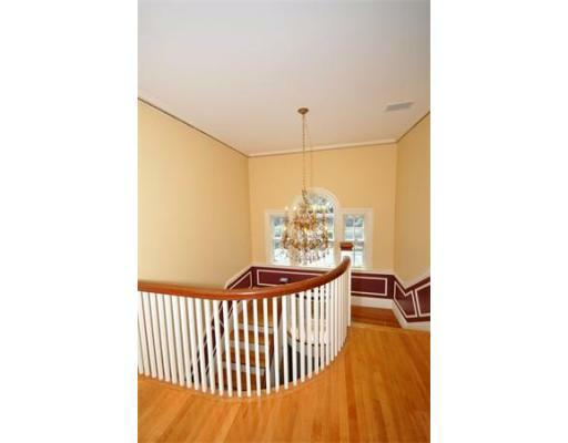 72 Beacon St - Photo 11