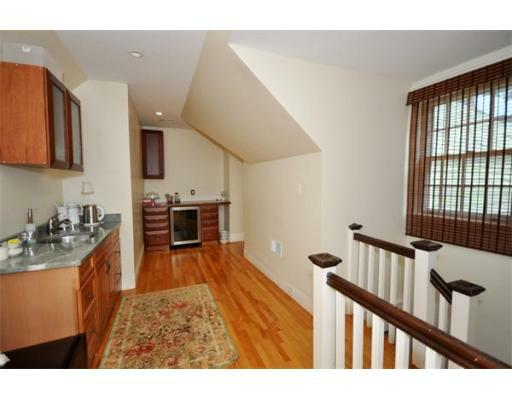 72 Beacon St - Photo 17