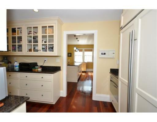 72 Beacon St - Photo 8