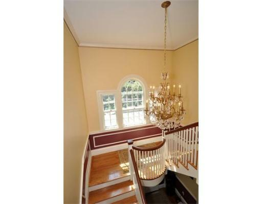72 Beacon St - Photo 10
