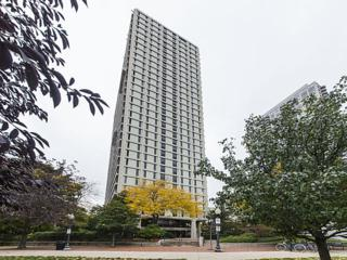 1960 N Lincoln Park West Street  1701, Chicago, IL 60614 (MLS #08758901) :: Jameson Sotheby's International Realty