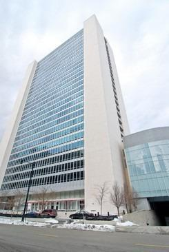 500 W Superior Street  2402, Chicago, IL 60654 (MLS #08930398) :: City Point Realty LLC