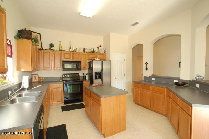 2399 Golfview Dr - Photo 3