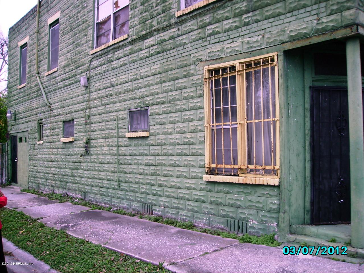 2008 Commonwealth Ave - Photo 2