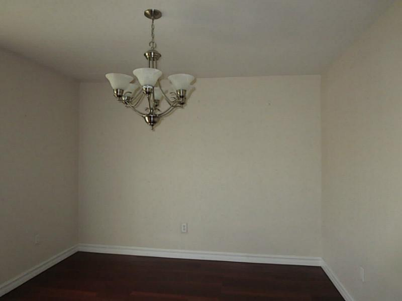 10211 Brookfield Dr - Photo 3