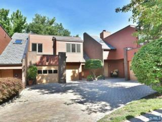 24  Oak Trail Rd  , Englewood, NJ 07631 (#1431975) :: Fortunato Campesi - Re/Max Real Estate Limited